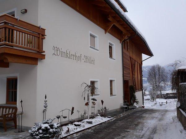 Foto esterno in inverno Winklerhof