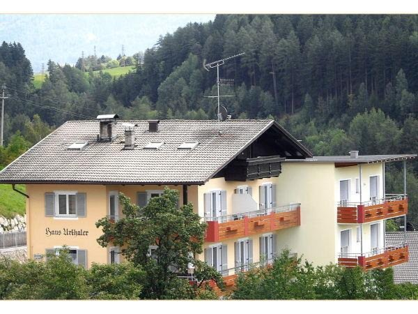 Foto estiva di presentazione Haus Urthaler - B&B + Appartamenti 2 soli