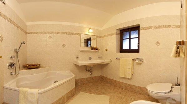Foto del bagno Appartamenti in agriturismo Tuene