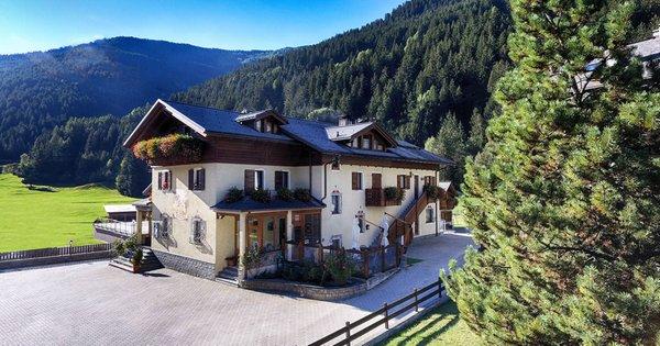 Sommer Präsentationsbild Rosengarden Alpine Residence