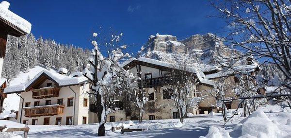 Foto esterno in inverno Stella Alpina Suite