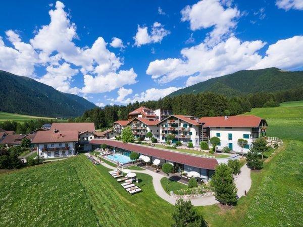 Sommer Präsentationsbild Hotel Dolomit Family Resort Garberhof