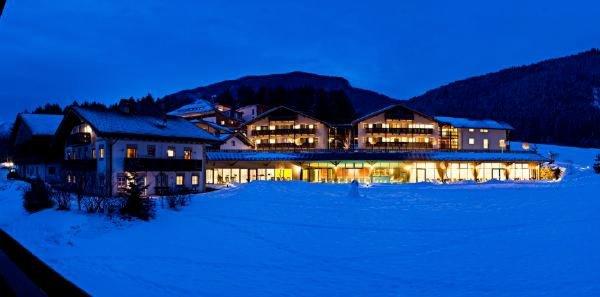 Winter Präsentationsbild Hotel Dolomit Family Resort Garberhof