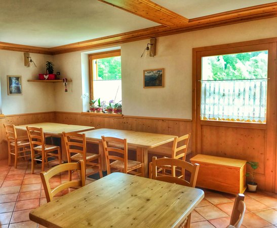 The restaurant Canal San Bovo (Valle del Vanoi) Eco-Baita Natura Spensierata