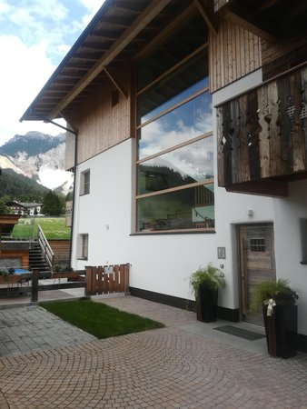 Foto esterno in estate Mountainlodge Luxalpine