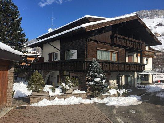 Foto invernale di presentazione Appartamenti Villa Erika