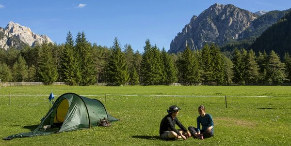 Foto esterno in estate Camping Al Plan