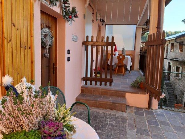 Foto esterno in estate La Canonica