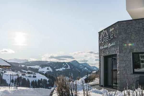 Foto esterno in inverno Aurela Mountain Chalets