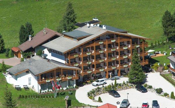 Sommer Präsentationsbild Arthotel Anterleghes - Hotel 4 Sterne