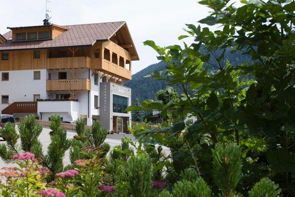 Foto estiva di presentazione Berghotel Sanví