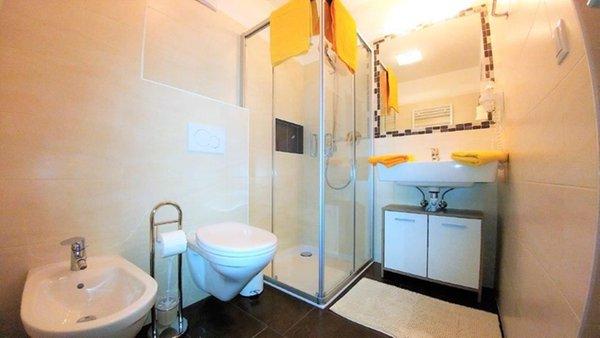 Foto del bagno Appartamenti in agriturismo Pitterlehof