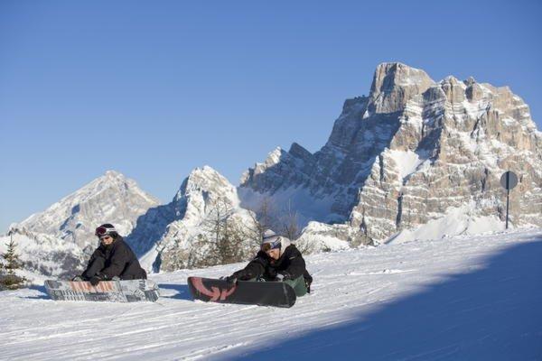 Foto invernale di presentazione Alleghe - Ufficio Turistico
