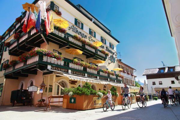 Foto estiva di presentazione Cavallino Bianco - Hotel 4 stelle sup.