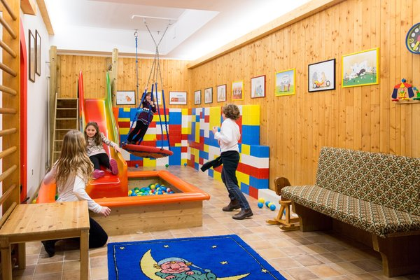 La sala giochi Hotel Cavallino Bianco