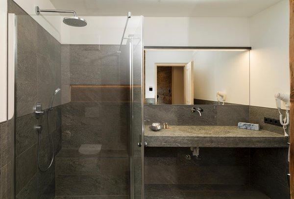 Foto del bagno Camere in agriturismo Zwiglhof