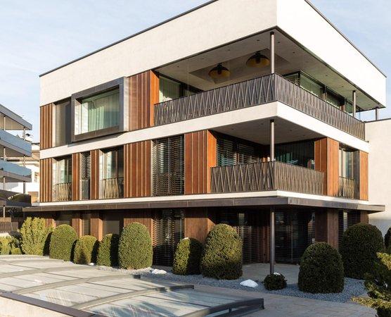 Foto estiva di presentazione Residence Anton Luxury Stay
