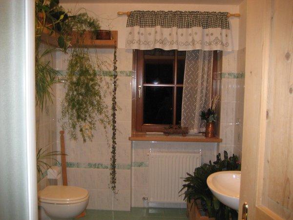 Foto del bagno Camere + Appartamenti in agriturismo El Cirum