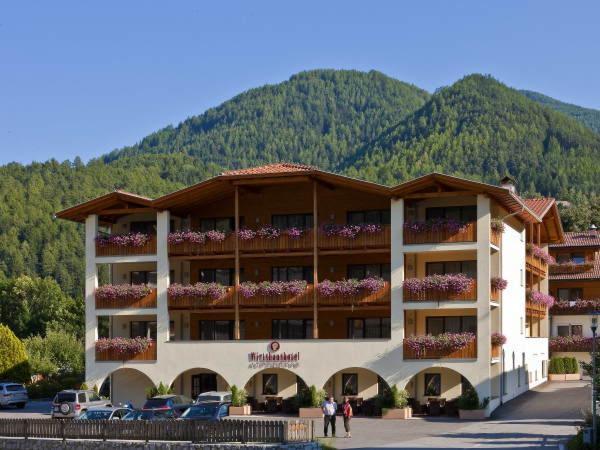 Foto esterno in estate Alpenrose - Südtiroler Wirtshaushotel