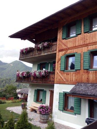 Foto esterno in estate Tarin