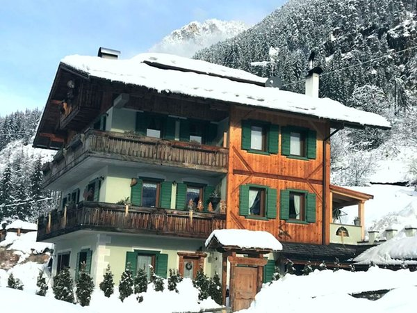 Foto esterno in inverno Tarin