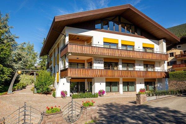 Foto estiva di presentazione Appartamenti Rumanon