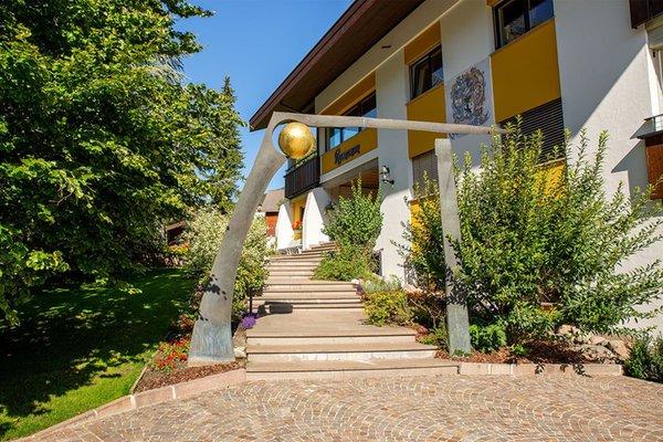 Foto esterno in estate Rumanon
