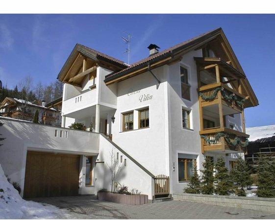 Photo exteriors in winter Ciasa Vilin