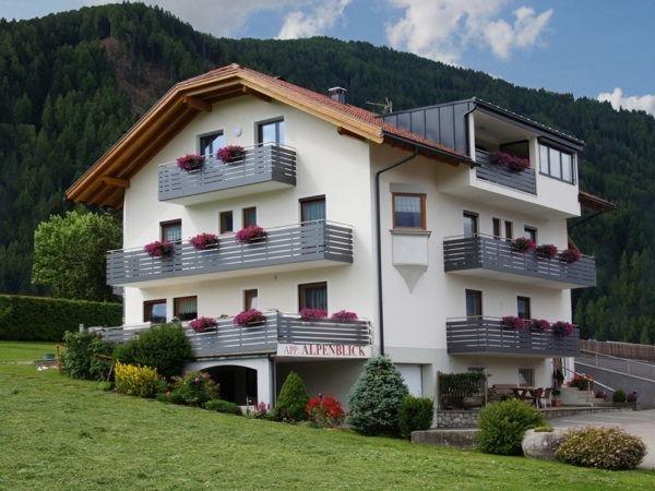 Foto estiva di presentazione Appartamenti Haus Alpenblick