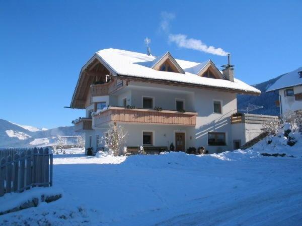 Foto invernale di presentazione Appartamenti in agriturismo Hinterhauserhof