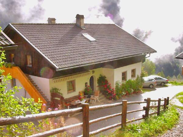 Foto esterno in estate Rastnerhof