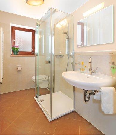 Foto del bagno Appartamenti in agriturismo Unterguggenberg