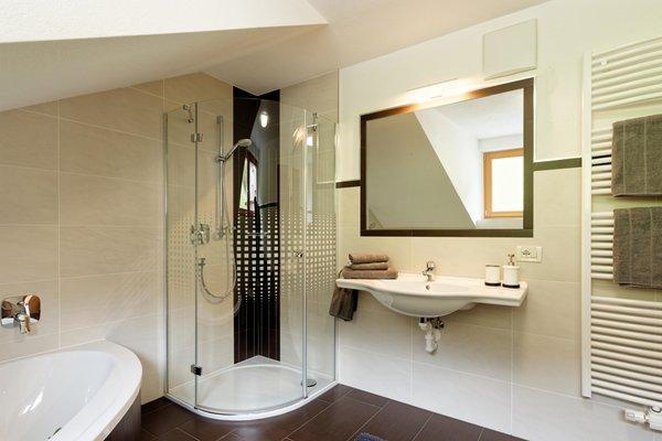 Foto del bagno Appartamenti in agriturismo Kehrerhof