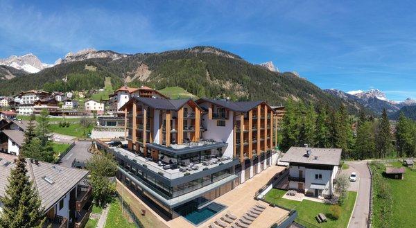 Sommer Präsentationsbild Ciampedie Luxury Alpine Spa Hotel