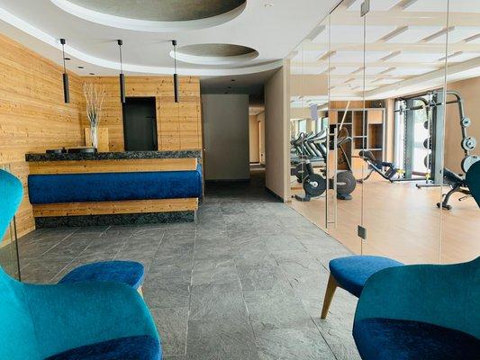 Foto vom Fitness-Bereich Ciampedie Luxury Alpine Spa Hotel