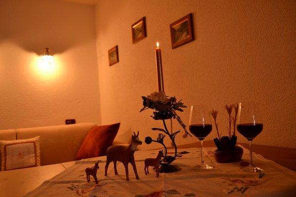 Der Wohnraum B&B + Ferienwohnungen Ciesa La Vèrda