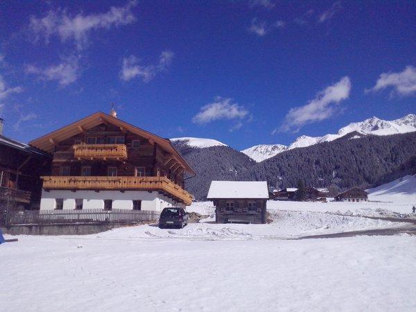 Foto invernale di presentazione Feldererhof - Appartamenti in agriturismo 2 fiori