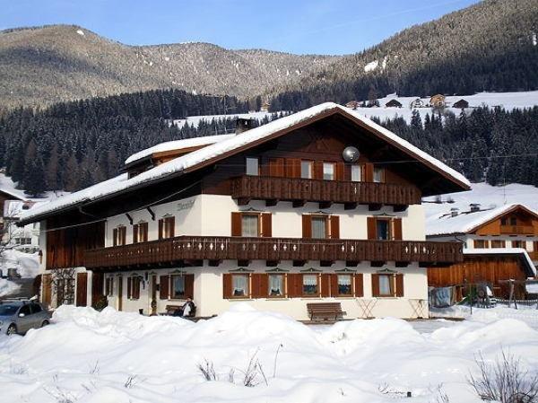 Foto invernale di presentazione Appartamenti in agriturismo Marenklhof