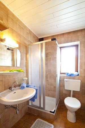 Foto del bagno Appartamenti in agriturismo Marenklhof