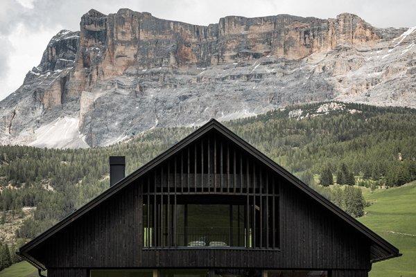 Foto esterno in estate Larix Lodge