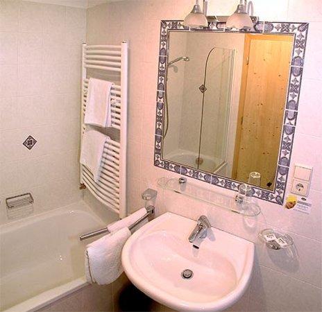 Foto del bagno Hotel Tyrol