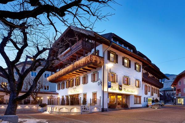 Foto invernale di presentazione Hotel Weisses Lamm