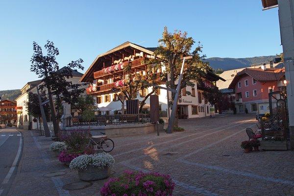 Foto esterno in estate Weisses Lamm