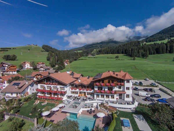 Sommer Präsentationsbild Hotel Tirolerhof