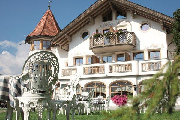 Foto esterno in estate Hotel Torre Gschwendt