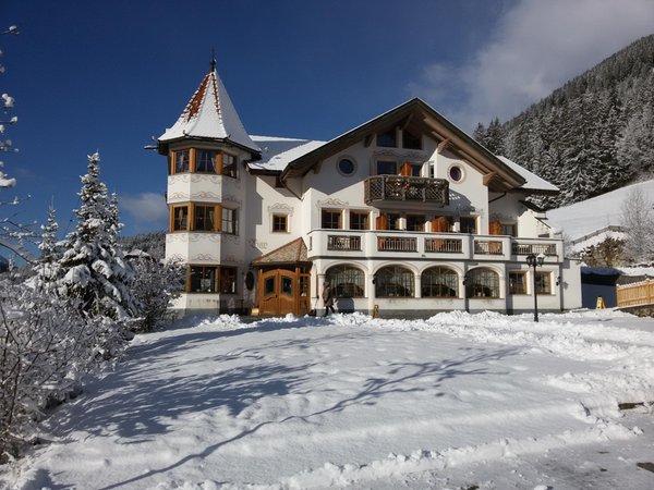 Foto esterno in inverno Hotel Torre Gschwendt