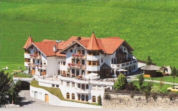 Foto estiva di presentazione Hotel Torre Gschwendt - Hotel 3 stelle