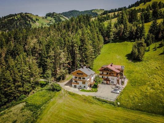 Lage Ferienwohnungen Niciora Badia - San Leonardo