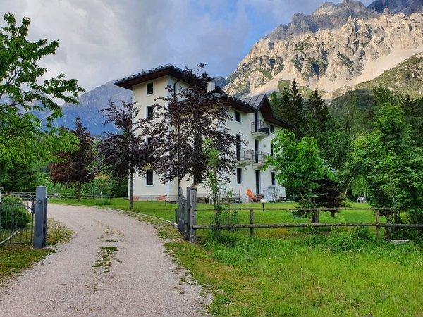 Foto estiva di presentazione Appartamenti In Villa
