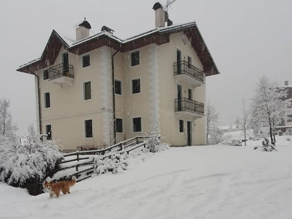 Foto invernale di presentazione Appartamenti In Villa
